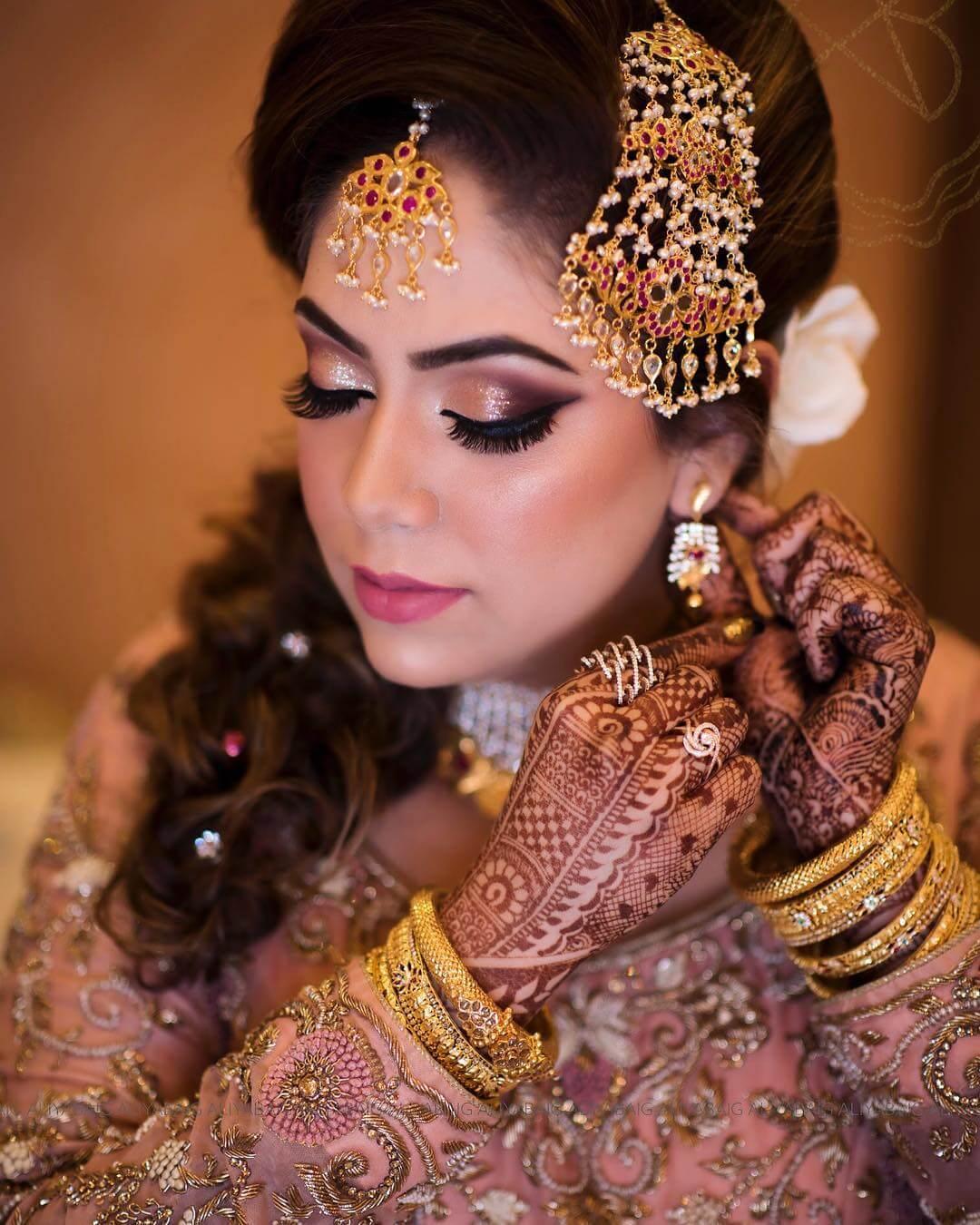 Detailed Bridal Look Passa/Jhoomar Designs For Muslim Bride