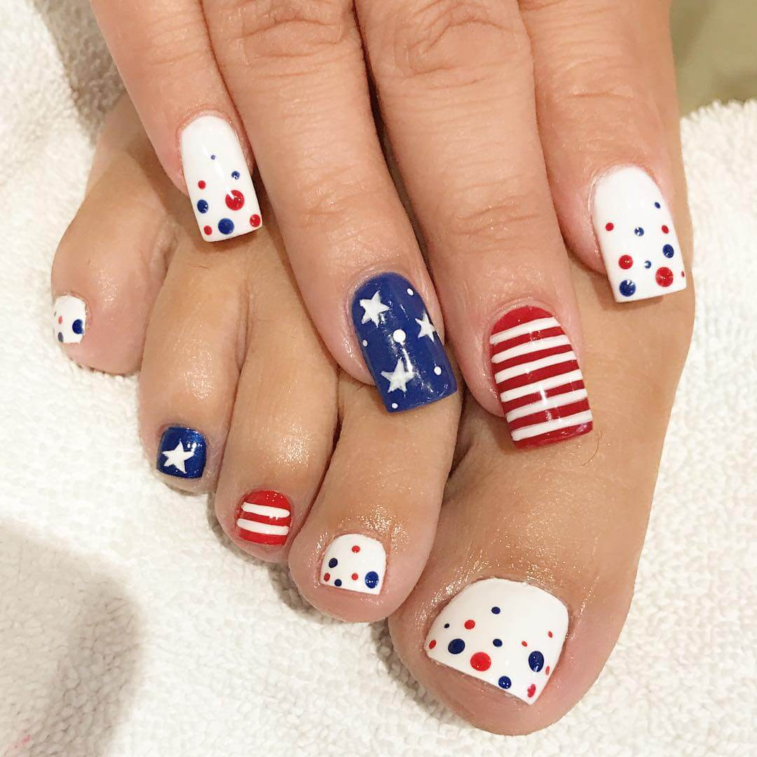 4th Of July Nail Art Designs An Alluring Nail Art Which You Just Try!