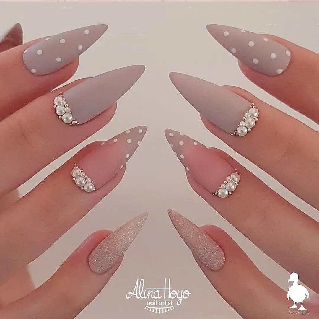Fairytale nail art to slay in all your outfits