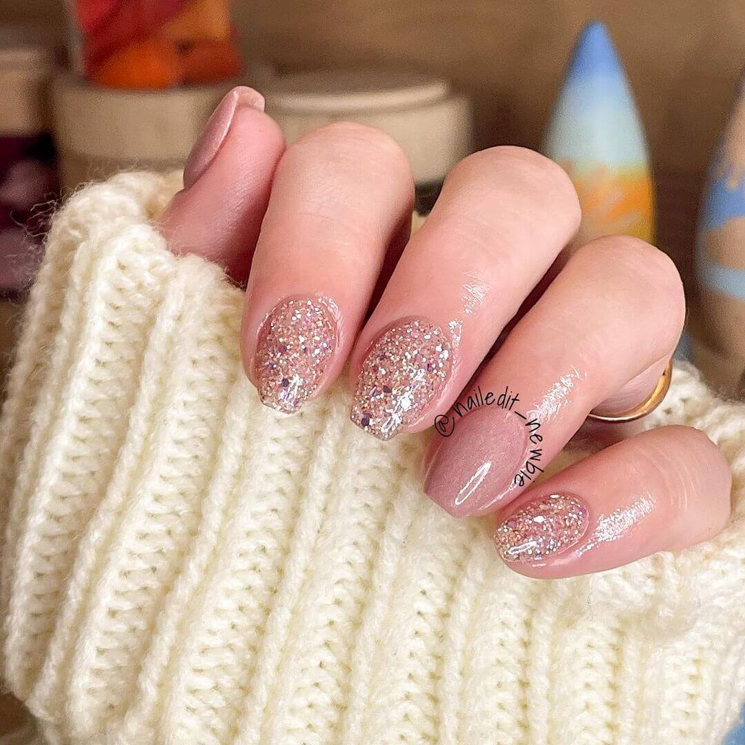 Glitter Nail Art Designs An absolute for your college fests