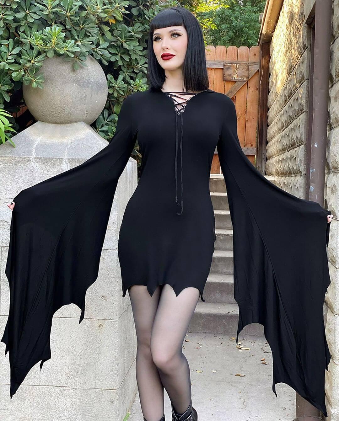 Halloween Costumes for Women Gothic And Vampire Inspired Halloween Costume